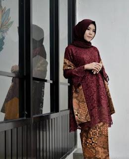Gamis-Batik-Kombinasi-Brokat-Terbaru-2019
