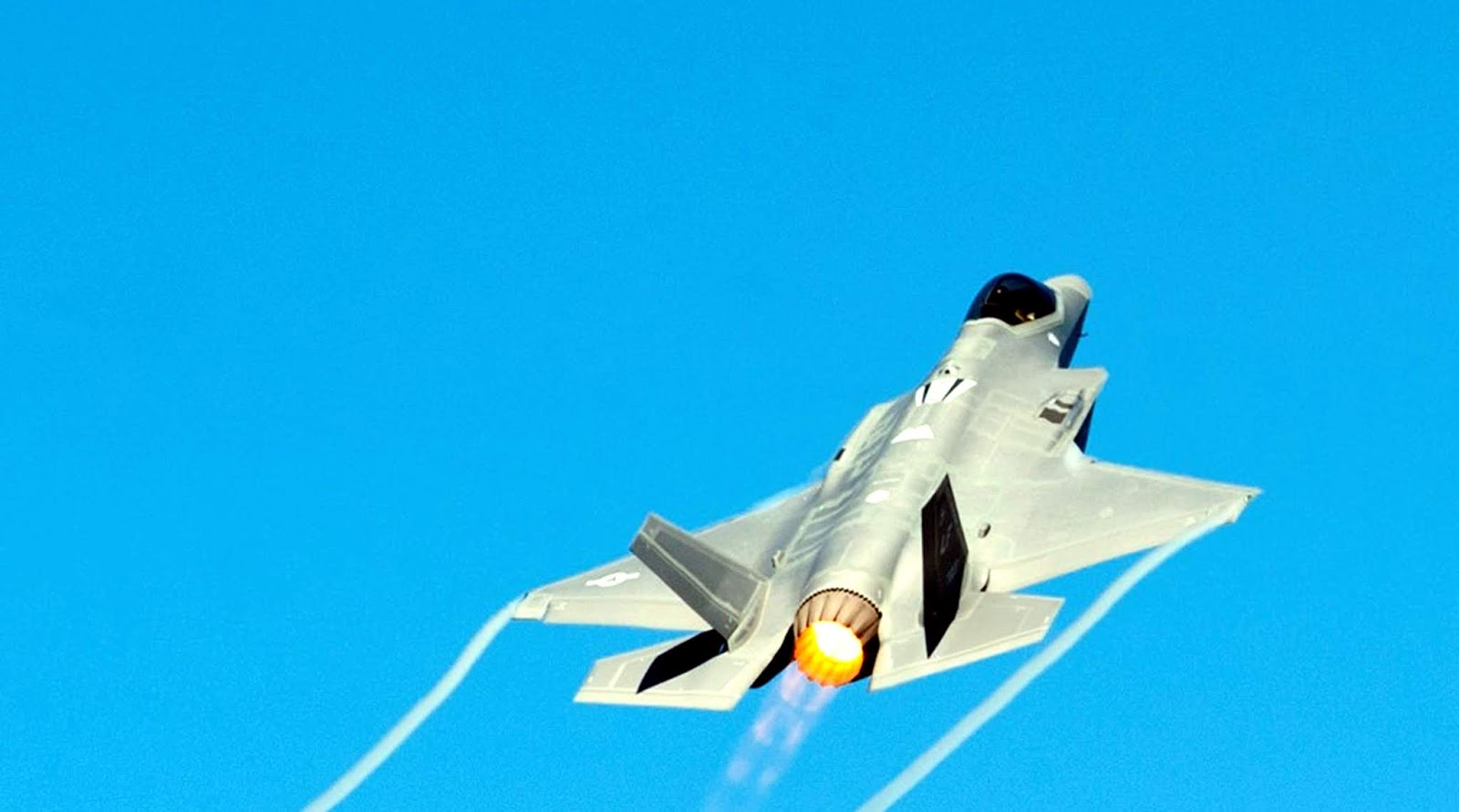 F-35A of USAF on Throttle In The Sky
