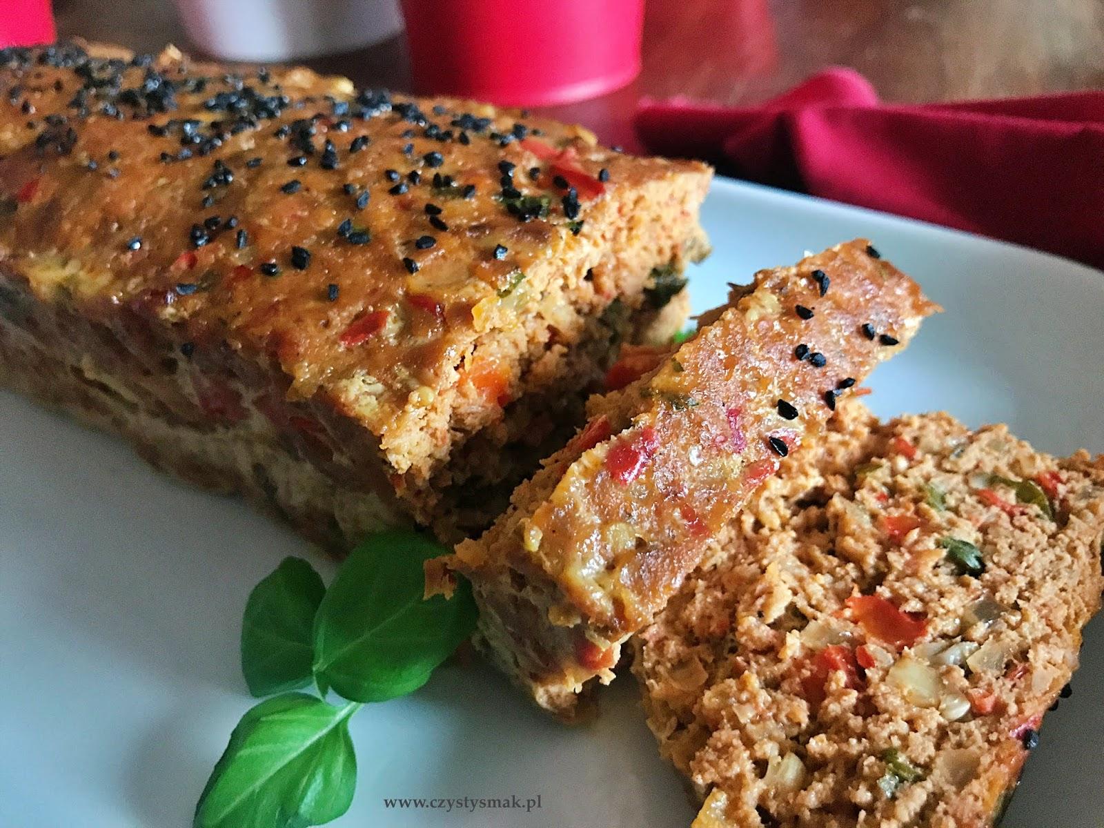 Pieczeń z mięsa mielonego z ajwarem