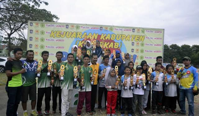 Para juara Kejurkab Panahan 2018