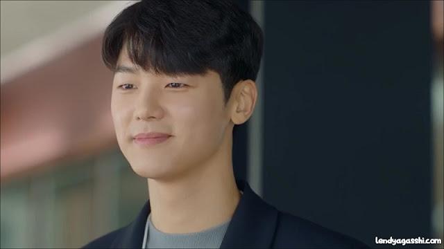 Kang Min Hyuk as Lee Seung Yoo : Not Yet Thirty