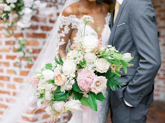 big brides bouquet