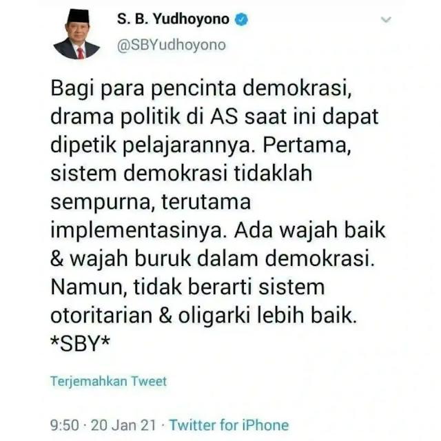 Pembelahan kubu 'Cebong-Kampret' dalam praktik demokrasi di Indonesia, nyatanya juga dialami Amerika. Jika Pilpres Indonesia tahun 2019 telah menghasilkan kemelut Cebong-Kampret, saat ini Pilpres di Amerika tahun 2020 telah membelah publik Amerika pada kubu 'Trump-Biden'.