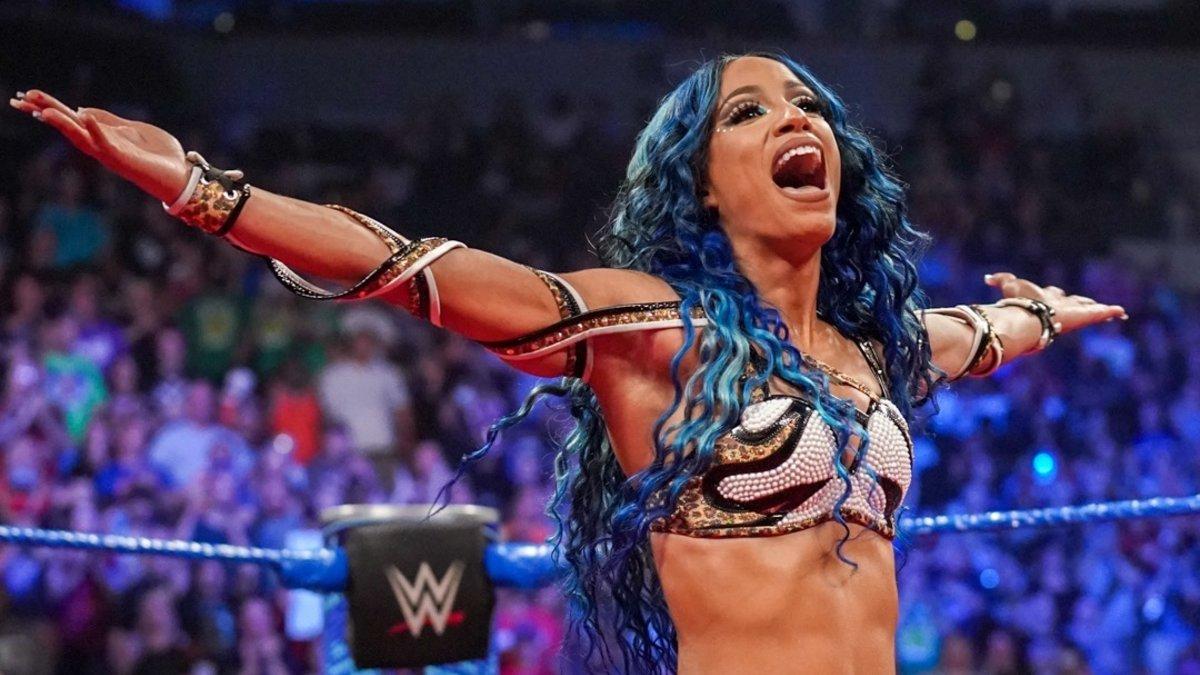 Sasha Banks está oficialmente fora do WWE SummerSlam
