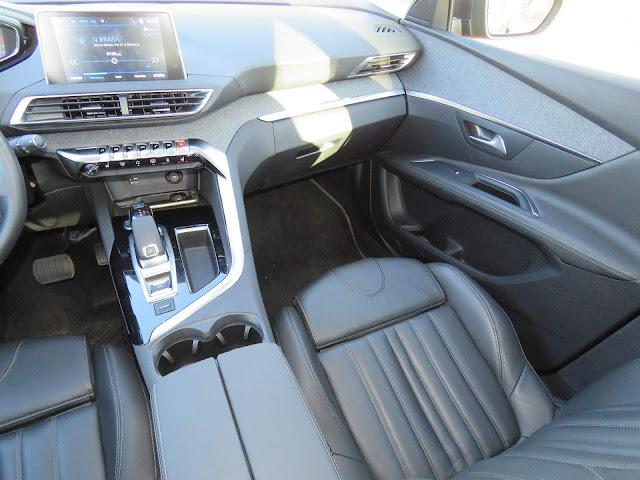 Novo Peugeot 3008 2018 - interior