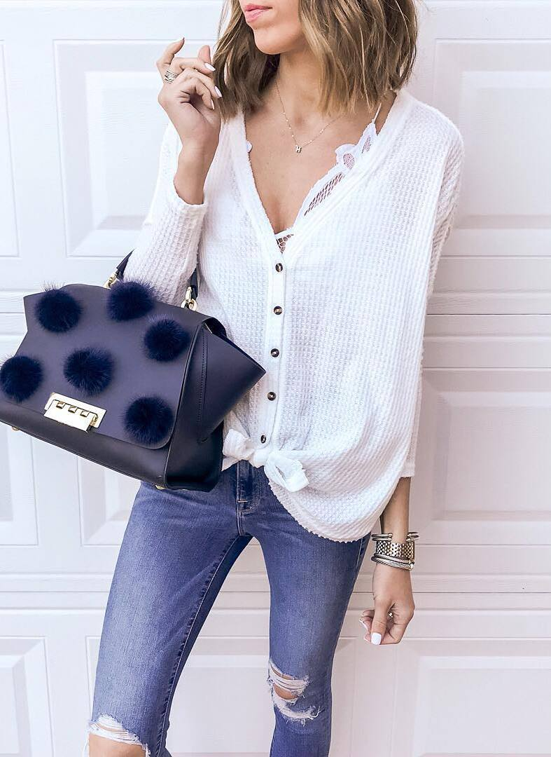 outfit of the day | white top + black bag + ripped jeans