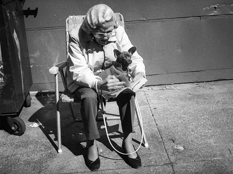Fascinating Black and White Photos Capture Street Portraits of New Yorkers in the 1980s