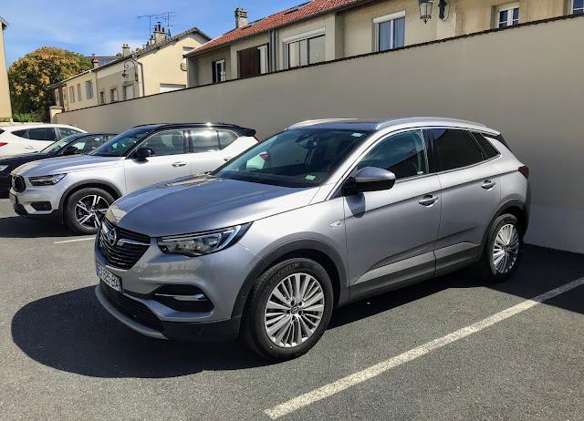 Opel grandlandx front