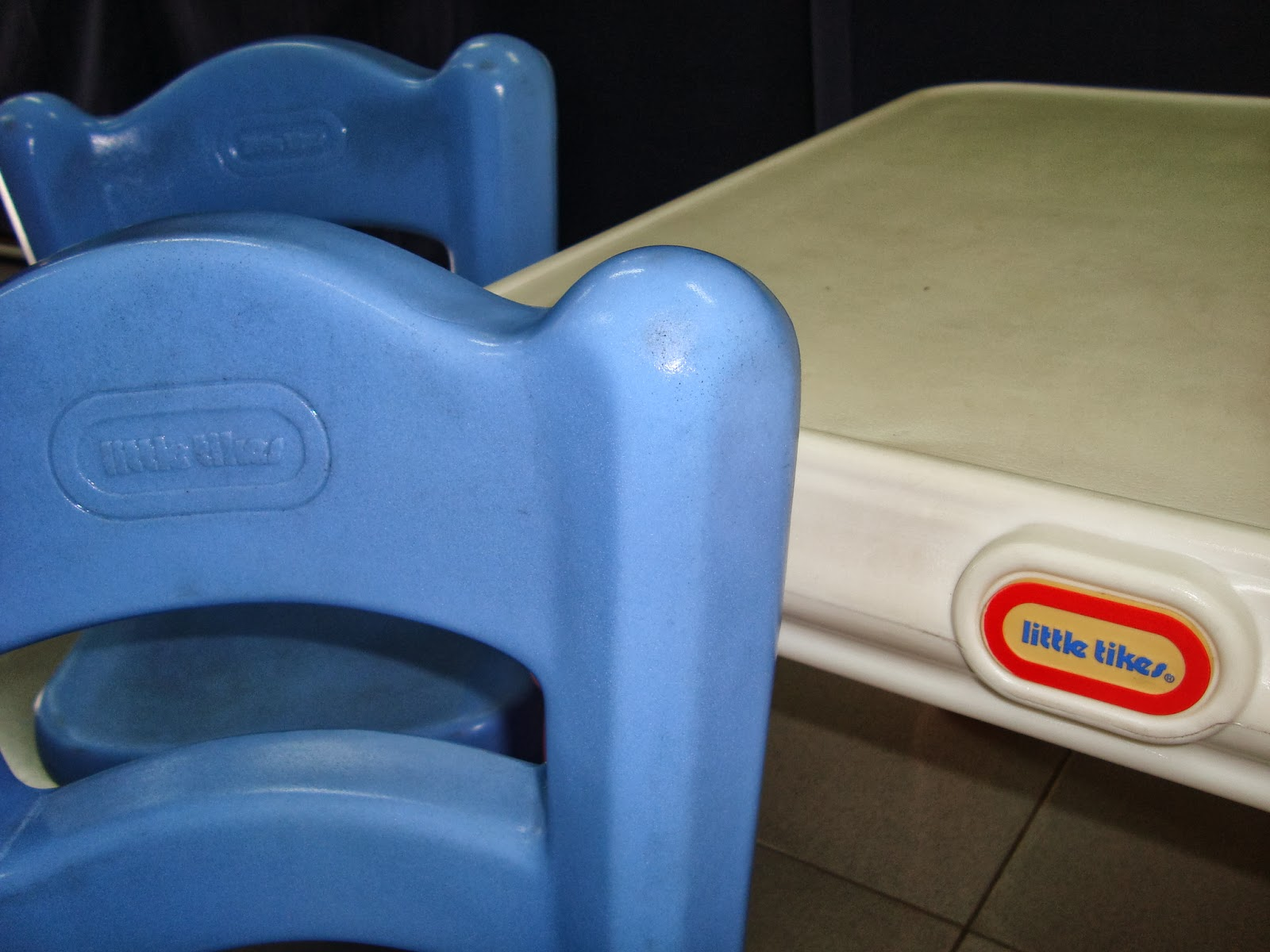 little tikes chairs best affordable computer chair preloved toysworld thetottoys victorian