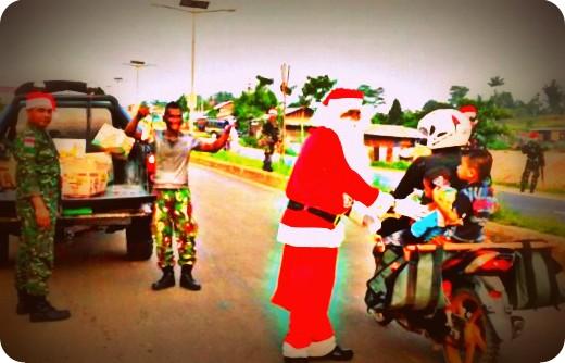 Kodam Cenderawasih Bagikan 50.000 Paket Natal untuk Anak-Anak