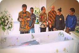 Ayah Lenis Kogoya Meninggal, Presiden Joko Widodo Ikut Berbelasungkawa