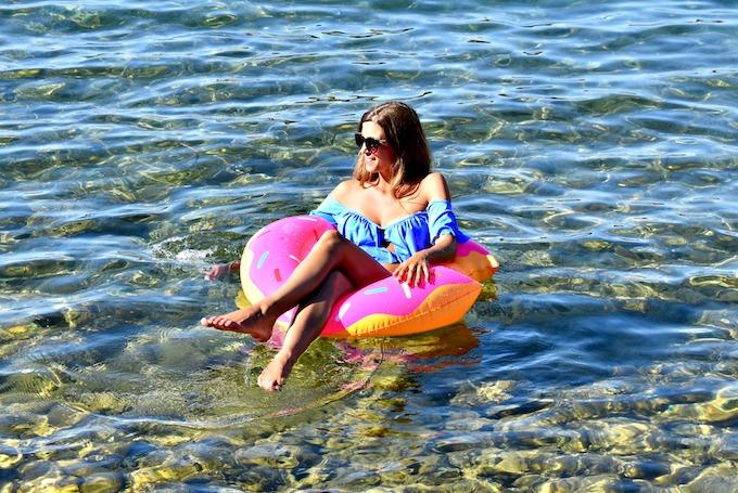 Gonfiabili-Mania: al mare con una donut gigante