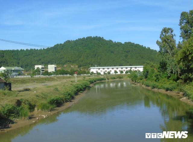 Sông Đào - nơi cung cấp nước thô cho nhà máy nước cầu Bạch và Hưng Vĩnh