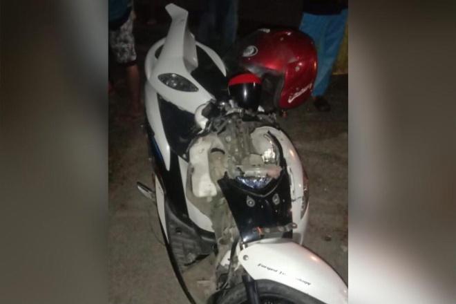 Apes, Tabrak Mobil Parkir di Bone Pengendara Mio Terluka