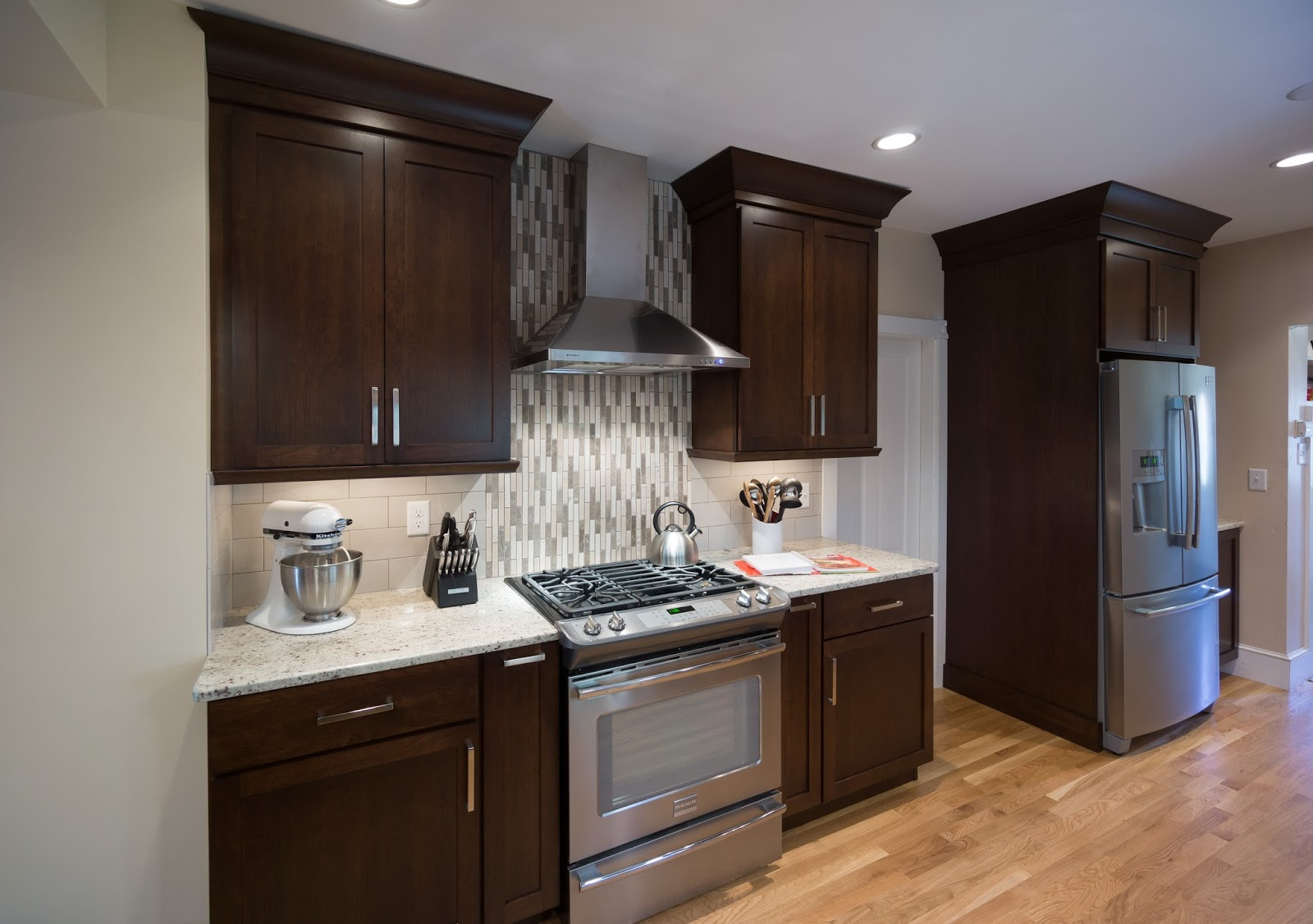 Faber Rangehoods: Classica hood in a Transitional New ...