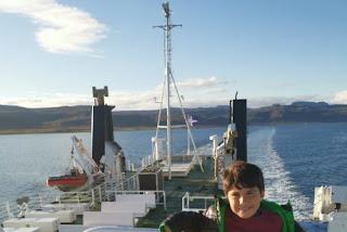 Ferry de los Fiordos del Oeste a la Península de Snaefellsnes.