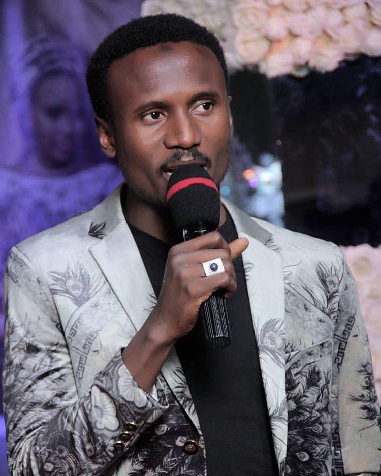 Duk Me Bina a Shafin Sada zumunta Saboda Buhari dyaga Yau Ya Dena~Nazir Ahmad Sarkin Waka