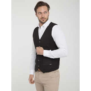 https://stockmagasin.com/moda-hombre/27773-chaleco-sir-raymond-tailor-black.html