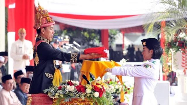 upacara bendera di istana negara