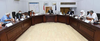 وزير السياحة يعقد اجتماعاً موسعاً مع لجنة الإشراف على تطوير الخدمات بالمواقع الأثرية