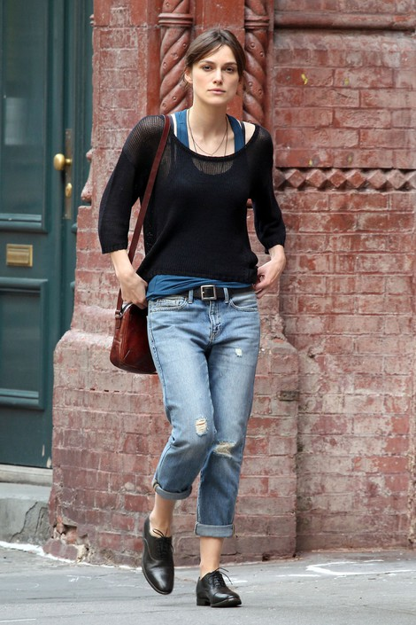Keira Knightley Has Joined The Fashion of The Boyfriend Jeans