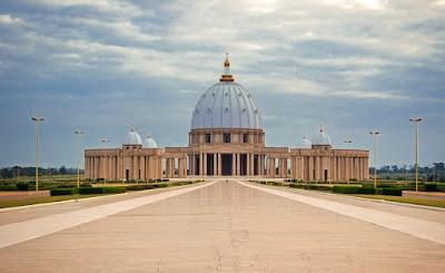 Basílica de Nuestra Señora de la Paz - Costa de Marfil