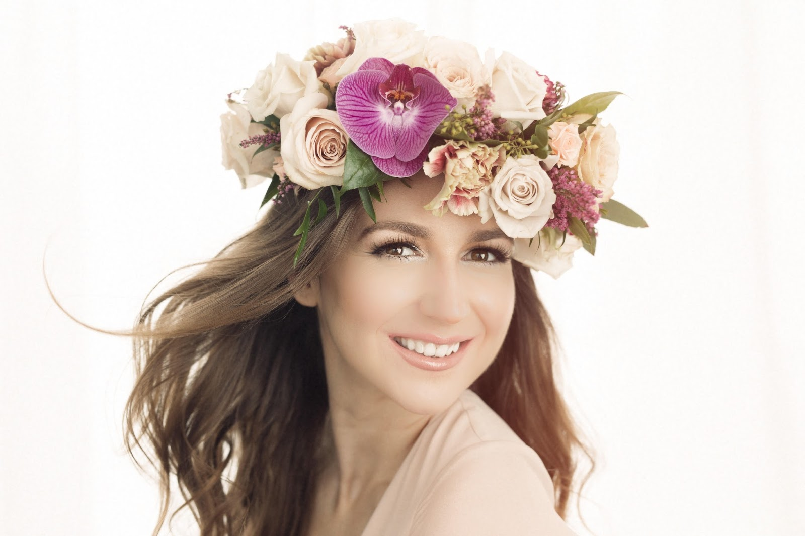 Styled shoot flower crowns we recently collaborated on a contest with julia park fine art photography where the winner anna rocked some glam looks and flower crowns izmirmasajfo