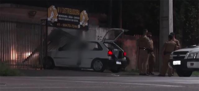Homem é executado a tiros dentro do próprio carro em Colombo