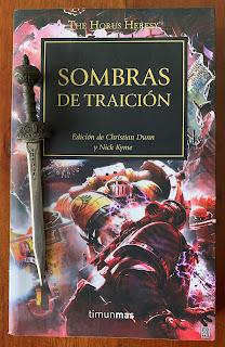 Portada del libro Sombras de traición, de varios autores