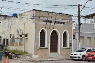 Vereador cassado por faltas alega perseguição política e Câmara rebate