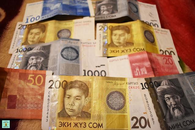 Dinero en Kirguistán