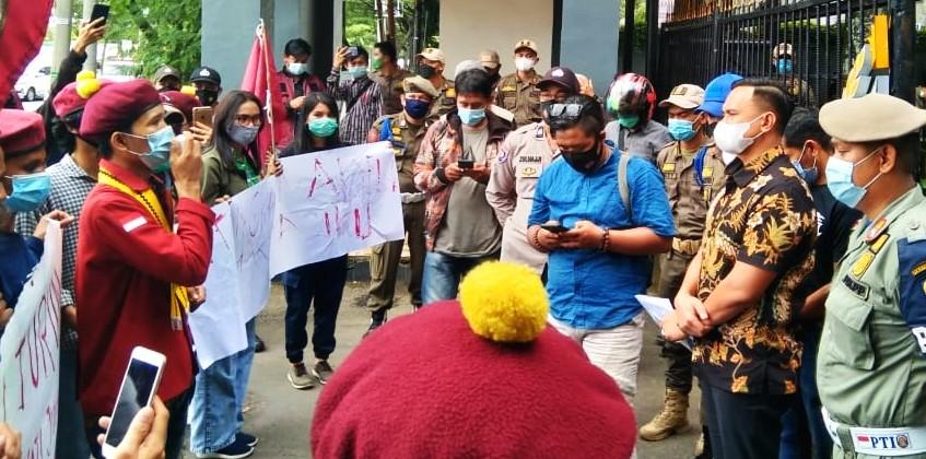 PMKRI Makassar Gelar Aksi Menyikapi Maraknya Kasus Korupsi di Indonesia