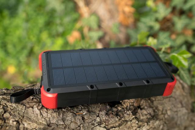 OUTXE 20000mAh Solar Powerbank 4A Dual Input | Energie für unterwegs 04