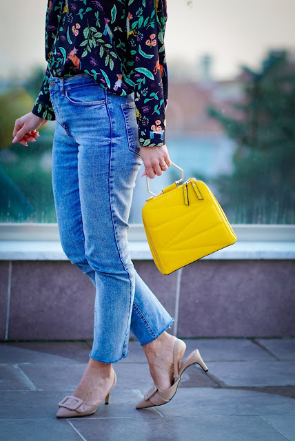 Yellow bag Meaning