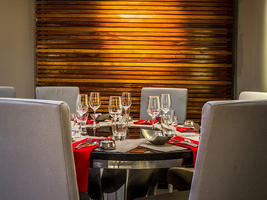 Restaurant, gastronomie, prestige, huppe, auberge, cuisine, bar, plat, boisson, buffet, LEUKSENEGAL, Dakar, Sénégal, Afrique