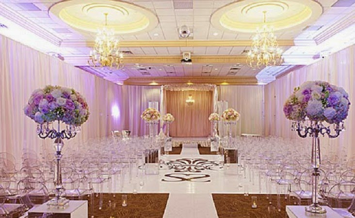 Important Thing To Consider In Choosing The Best Wedding Room Interior Decoration Ideas Is Size Of Itself Once You Have Known Then