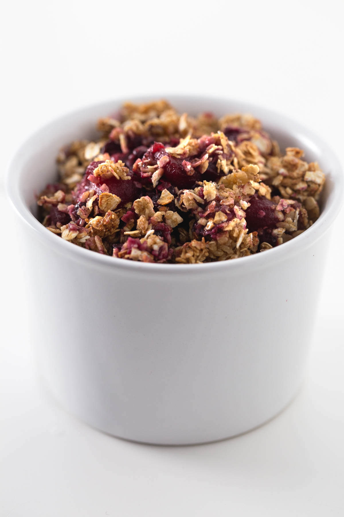 Fat-Free Vegan Apple Berry Crumble: This fat-free vegan apple berry crumbles to die for and is a very healthy dessert or breakfast. We like it colder.