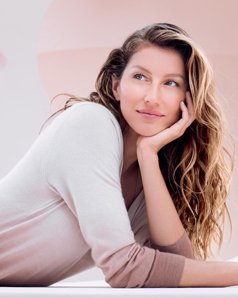 Gisele Bundchen for Dior Capture Totale Super Potent Serum
