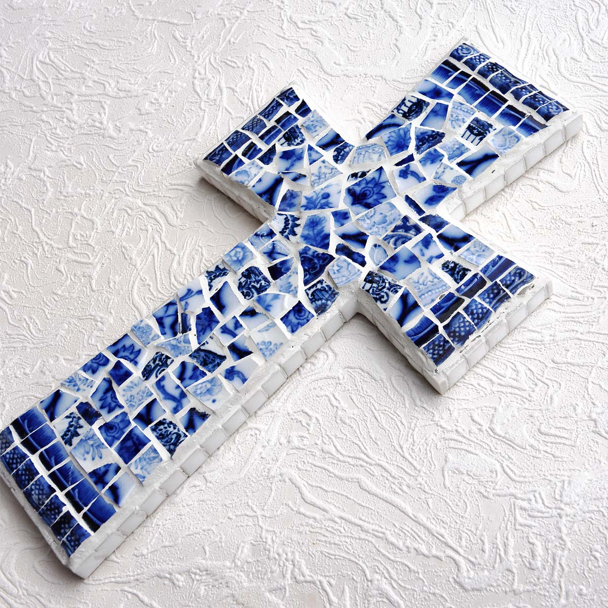CROSS MOSAIC FLOW BLUE MOSAIC CROSS