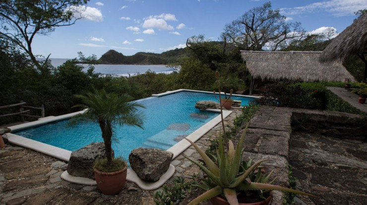29 Most Amazing Infinity Pools in Pictures - Morgan's Rock Hacienda and Eco-Lodge, Nicaragua