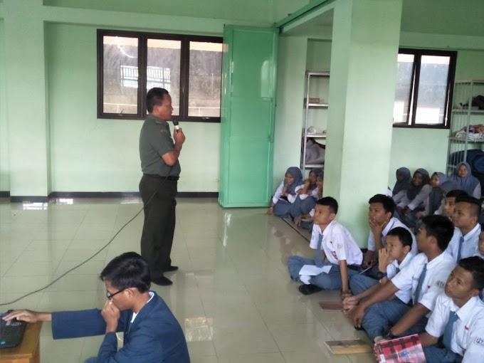 Cegah Kenakalan Remaja, Satgas TMMD Berikan Penyuluhan Ke Sekolah