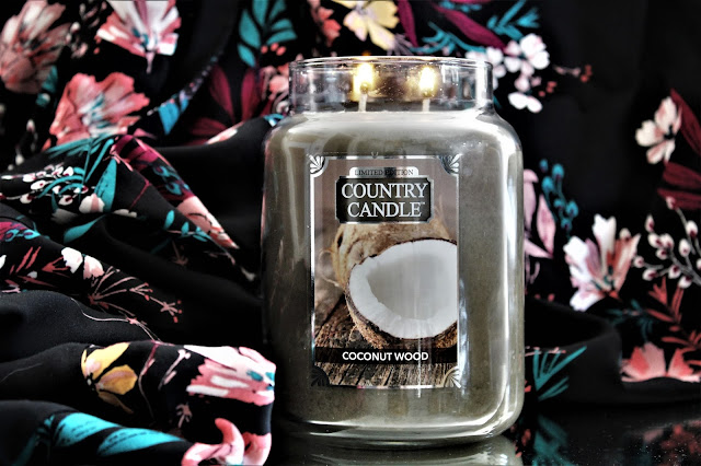 country candle coconut wood avis, coconut wood country candle, country candle coconut wood review, coconut wood candle, bougie parfumée, bougie country candle, country candles, country candle review, candle review, scented candle, avis country candle, bougie en cire végétale
