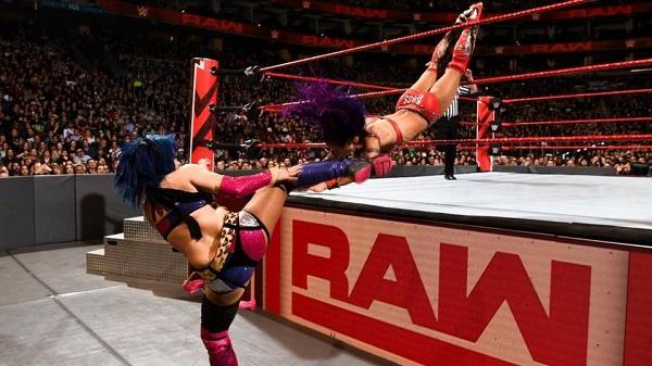 Did Sasha Banks Just BOTCH Her WWE Raw Return?