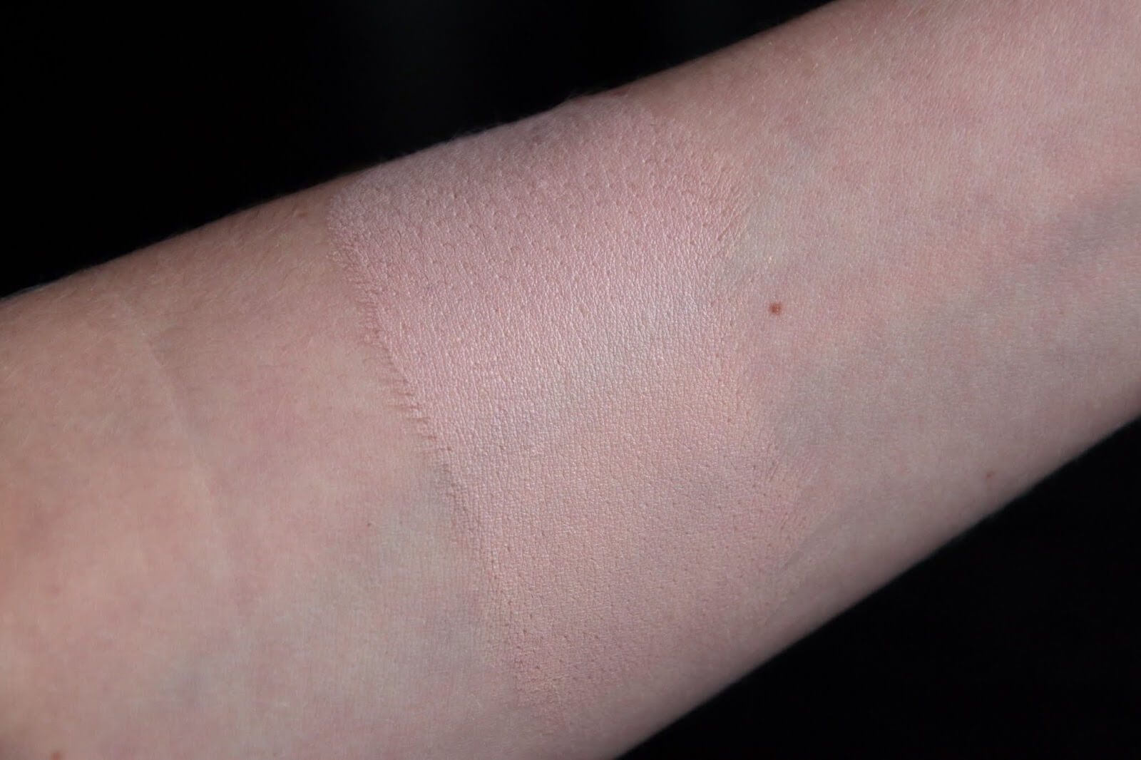 shiseido synchro skin cushion 140 porcelain swatch