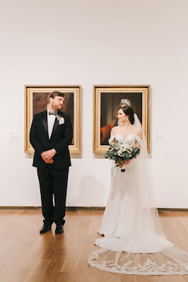 bride and groom in orlando museum of art