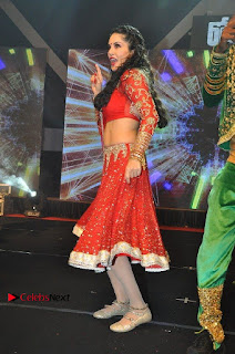 Bollywood Actress Model Sunny Leone Dance Performance in Red Half Saree at Rogue Audio Launch 13 March 2017  0082.jpg