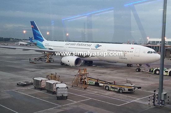 GARUDA INDONESIA :  Sejak tahun 2010 saya sudah tidak terbang lagi dengan Garuda Indonesia, dan Alhamdulillah tahun 2017 saya bisa terbang lagi dengan Garuda Indonesia seperti dalam foto ini.  Foto Asep Haryono