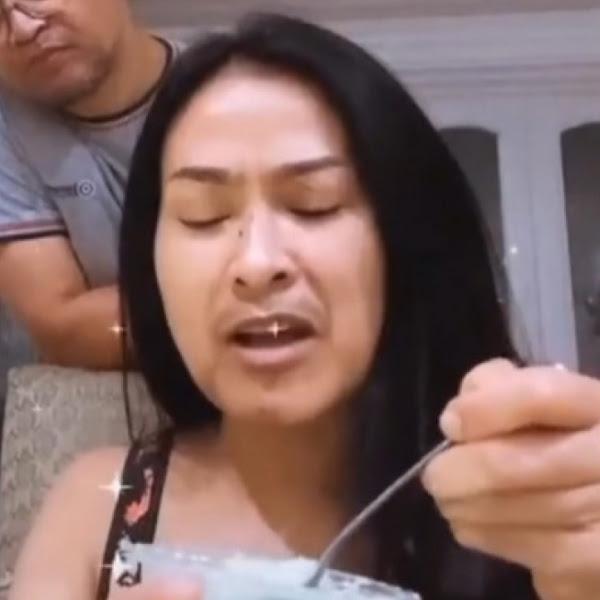 Iis Dahlia Tampil Tanpa Makeup