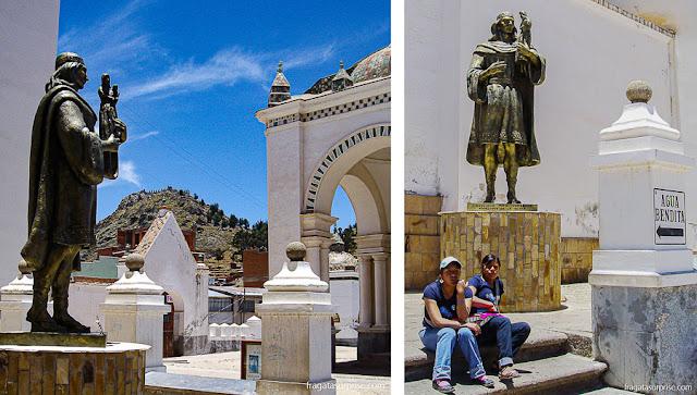 Estátua de Tito Yupanqui na Basílica de Nossa Senhora de Copacabana, Bolívia
