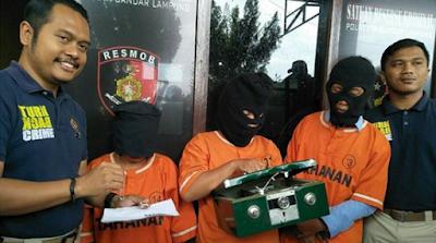 Polresta Bandar Lampung Bekuk Trio Pencuri di Rumah Majikan Sendiri